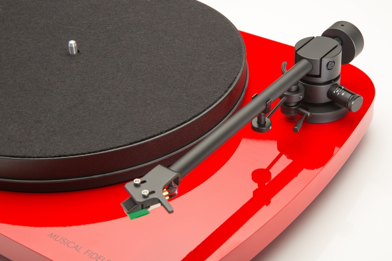 Musical Fidelity Round Table red